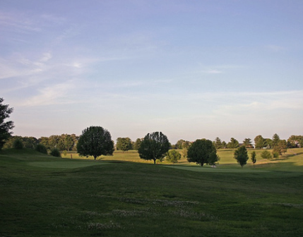 Golf Course Photo, Shawnee Hills Country Club, Harrisburg, 62946