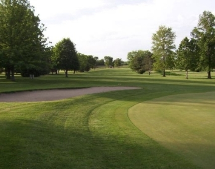 Woodlawn Country Club, Farmer City, Illinois, 61842 - Golf Course Photo