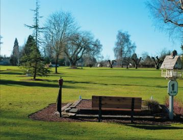 Auburn Center Golf Club, CLOSED 2016, Salem, Oregon,  - Golf Course Photo