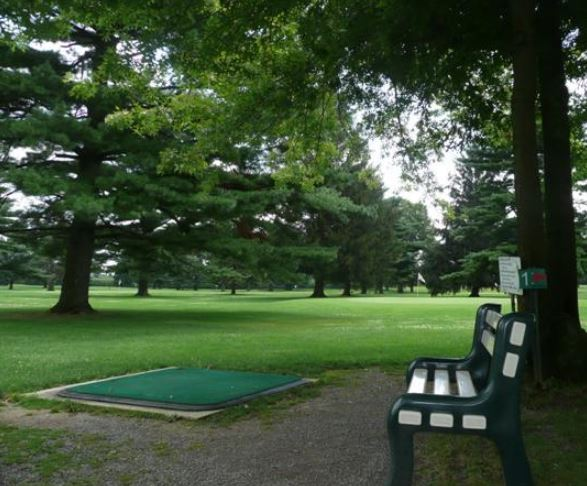 Evergreen Golf Course, Pitch And Putt, Manheim, Pennsylvania,  - Golf Course Photo