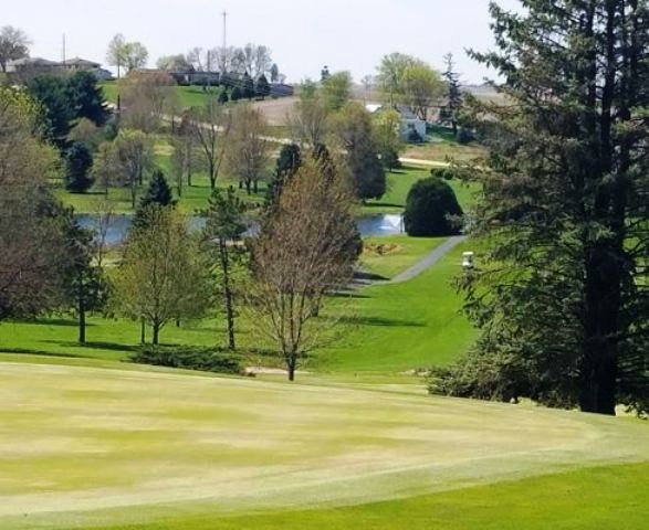 Golf Course Photo, Maquoketa Country Club, Maquoketa, Iowa, 52060