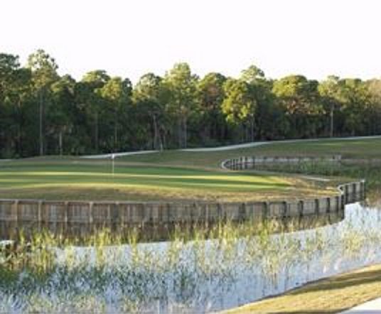Pelican Pointe Golf & Country Club
