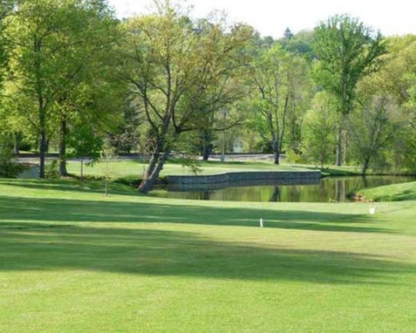 Ryland Lakes Country Club