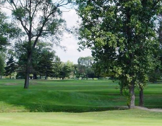 Sunnybrook Golf Course, Regulation 9, CLOSED 2015, Sterling Heights, Michigan, 48313 - Golf Course Photo